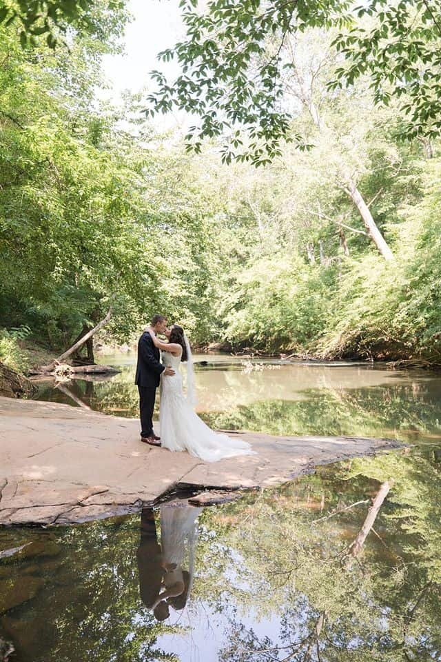 Bride and Groom Kissing on the banks of the Yellow River